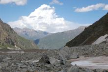 Каменный панцирь Шхельдинского ледника