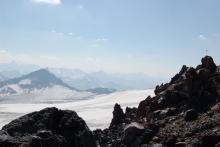 Нетронутый гребень Эльбруса