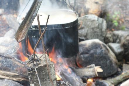 Котел на костре (Уллу-тау)