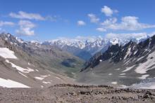 С перевала Ирик-Чат в сторону Главного хребта